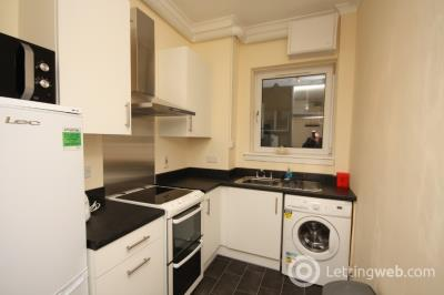 Property to rent in Holland Street, Aberdeen, AB25 3UL