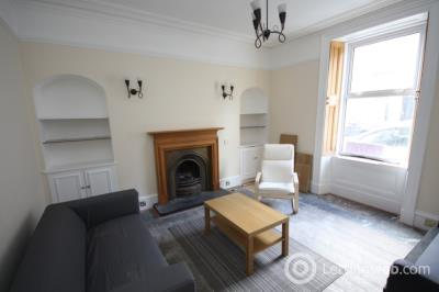 Property to rent in Margaret Street, Aberdeen, AB10 1TY