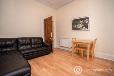 Property to rent in Wallfield Crescent, Rosemount, Aberdeen, AB25 2LJ