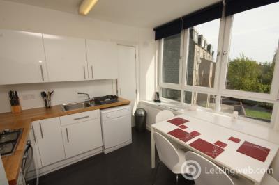 Property to rent in Esslemont Avenue, Aberdeen, AB25 1SL