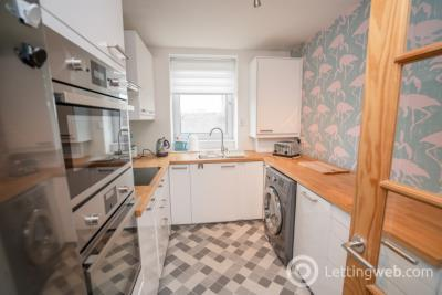 Property to rent in Mount Street, Aberdeen, AB25 2RA