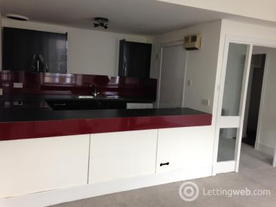 Property to rent in New Street, Paisley