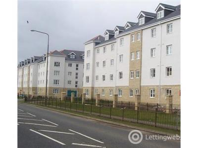 Property to rent in Queens Crescent, Livingston, EH54