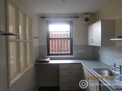 Property to rent in St Colmes Close, Kirriemuir, DD8