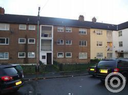 Property to rent in Glenelg Quadrant