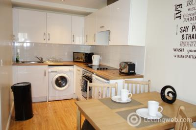Property to rent in 2 bedroom property - Trinity Street - £595 pcm - Free Wi-Fi