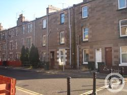 Property to rent in Ballantine Place