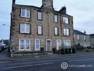 Property to rent in 7 Stewarts Place, Caledonian Road