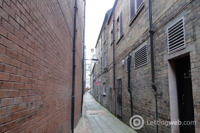 Property to rent in Cutlog Vennel