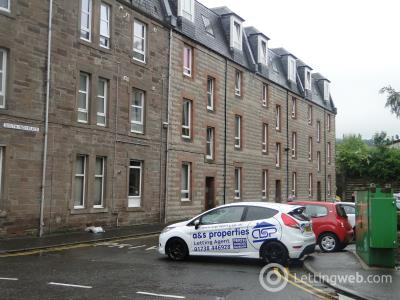 Property to rent in 5 South Inch Place