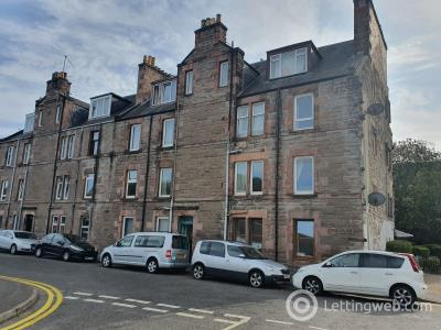 Property to rent in 6 G/R Viewfield Place, Perth, PH1 5AG