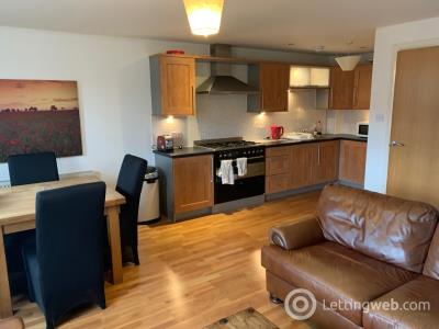 Property to rent in West Tollcross