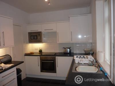 Property to rent in Northfield Broadway