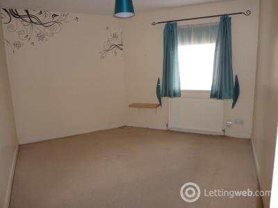 Property to rent in St Clair Place