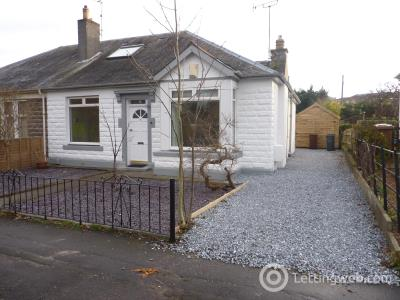 Property to rent in Orchard Bank