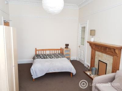 Property to rent in 92 Montpelier Park