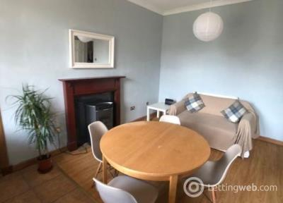 Property to rent in Tron Square