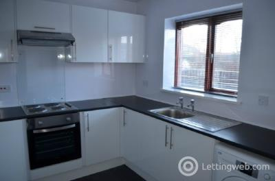 Property to rent in Longdales Court, New Carron