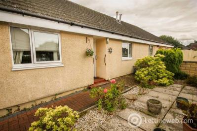 Property to rent in The Cottages, Millgate, Winchburgh