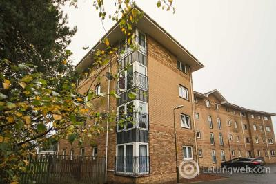 Property to rent in Swallow Brae, Livingston, EH54