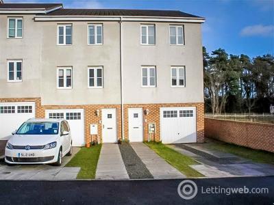Property to rent in Queens Crescent, Eliburn, EH54 8EG