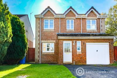 Property to rent in Ross Way, Livingston, EH54 8LA