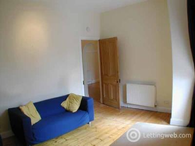 Property to rent in Abbeymount