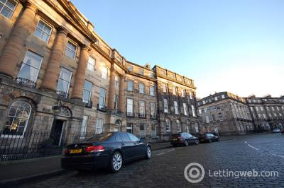 Property to rent in 3a Moray Pl.