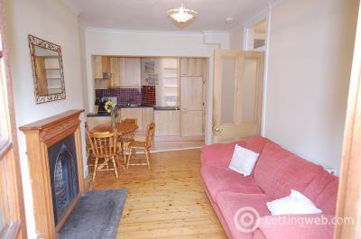 Property to rent in Bellevue Cresent