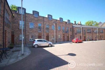 Property to rent in Iona St Lane
