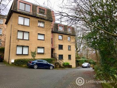 Property to rent in Woodlands Gate