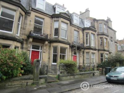 Property to rent in Admiral Terrace