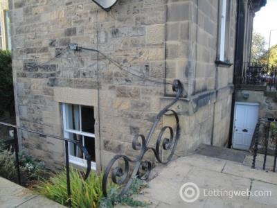 Property to rent in Merchiston Avenue
