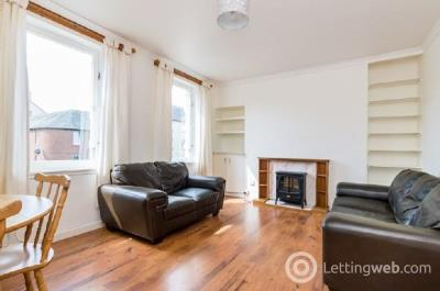 Property to rent in Ferry Road Avenue