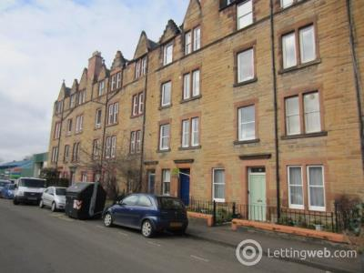 Property to rent in Temple Park Crescent