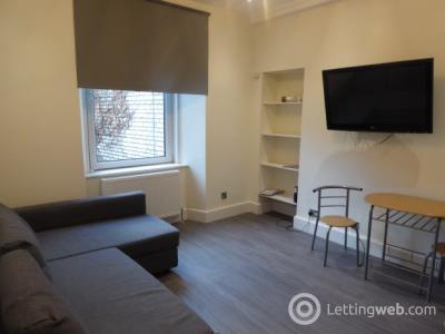 Property to rent in Caledonian Crescent