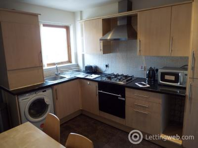Property to rent in Cathcart Road, Rutherglen