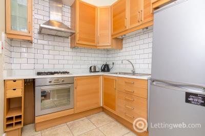 Property to rent in Henderson Street