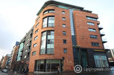 Property to rent in High Street, Glasgow - Available Now!