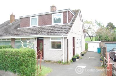 Property to rent in Hillfoot Avenue