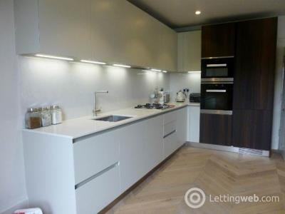 Property to rent in Queen Street, New Town, City Centre
