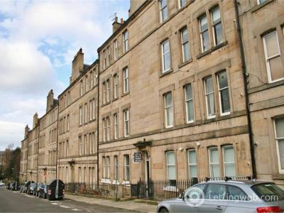 Property to rent in Comely Bank Row, Edinburgh,