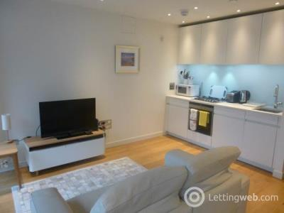 Property to rent in Simpson Loan, Quartermile,