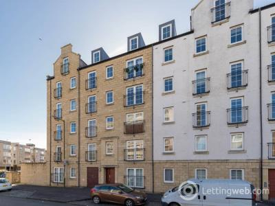 Property to rent in Giles Street, Edinburgh,