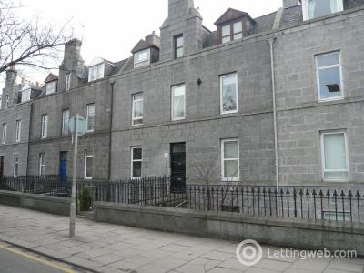 Property to rent in King Street, Garden Flat Right,