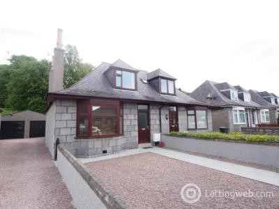 Property to rent in Broomhill Place, Aberdeen, AB10