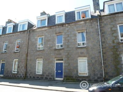 Property to rent in Granton Place, Top Floor Left, AB10