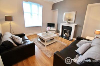 Property to rent in Wallfield Place, Top Floor, AB25