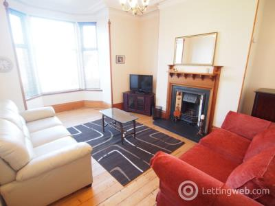 Property to rent in Albury Road, floor flat, AB11