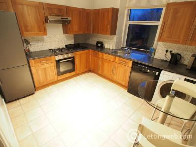 Property to rent in Union Grove, Top Floor Right,